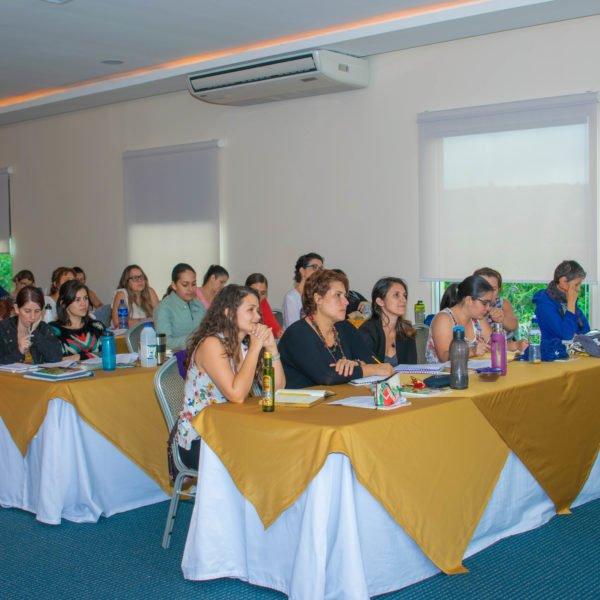 Curso aromaterapia presencial en Costa Rica imparte formación Instituto ESB
