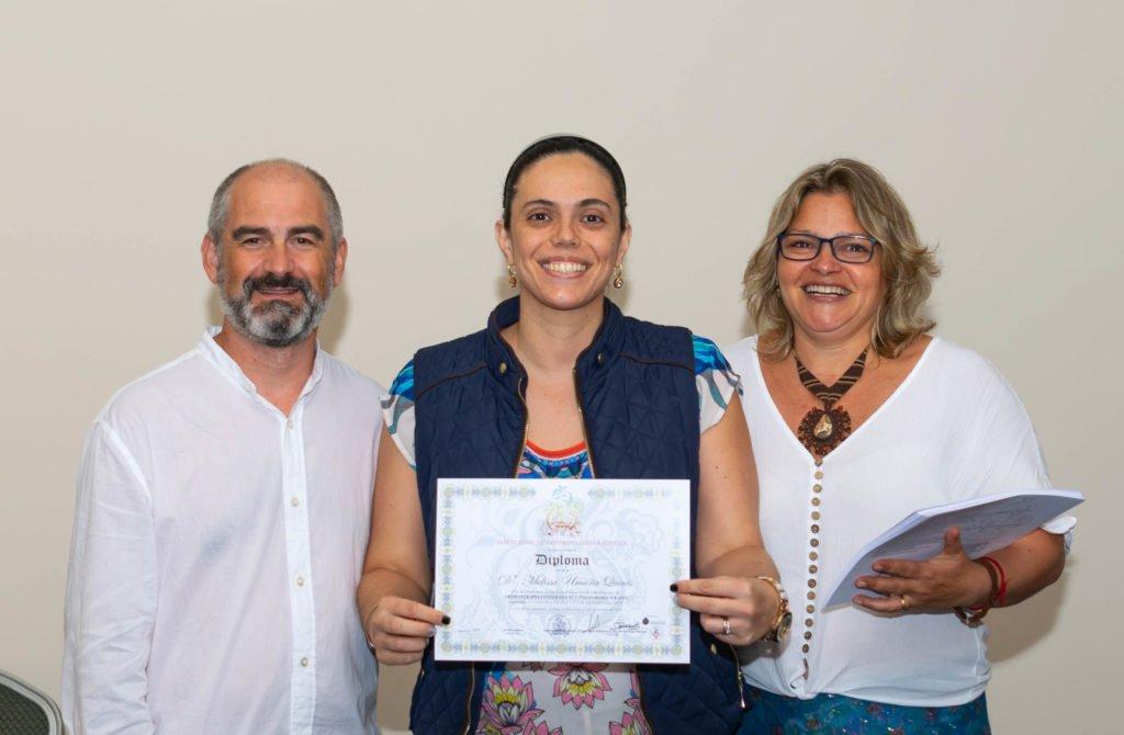 Alumna con diploma curso aromaterapia Instituto ESB Costa Rica 2