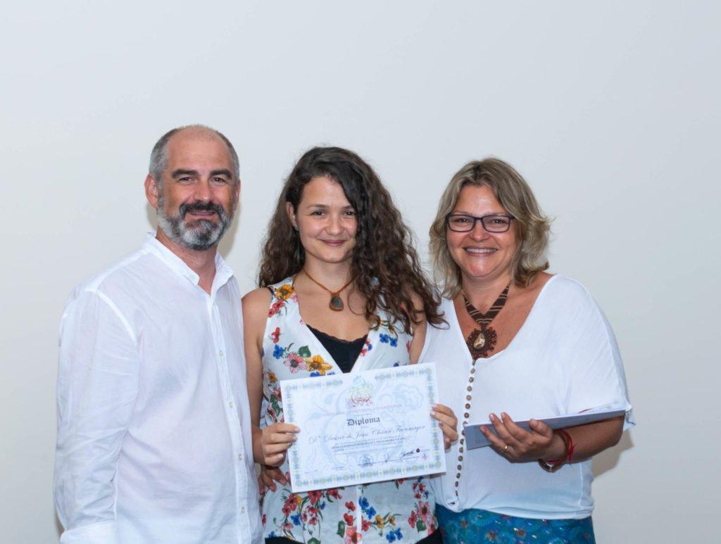Alumna con diploma curso aromaterapia Instituto ESB Costa Rica 1